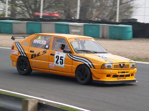 Bryan Shrubb 3rd at Oulton 2007 with 33 8v