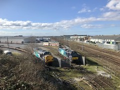 Photo of 37069 and 88007