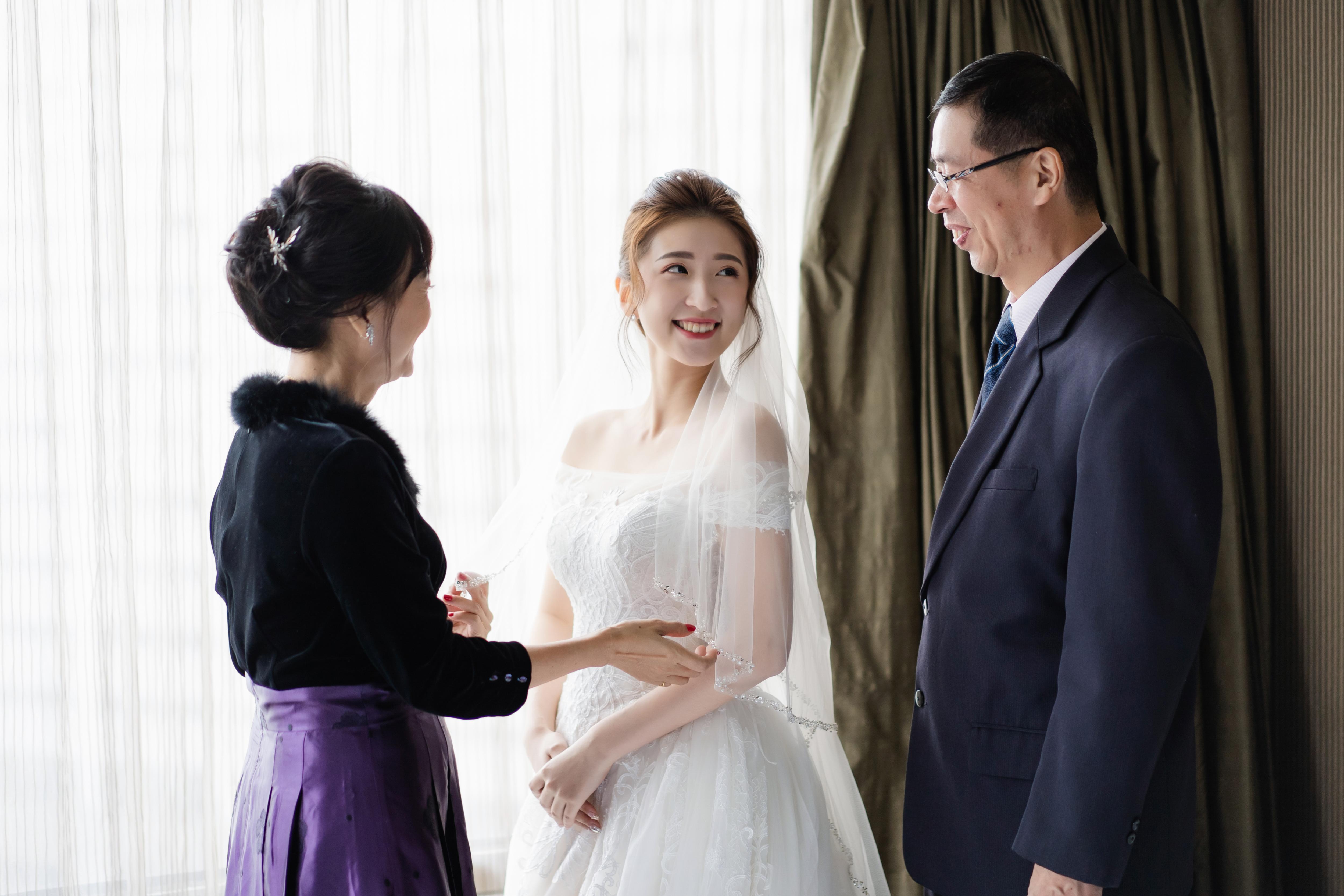 婚攝作品,婚禮攝影,婚禮紀錄,文定儀式,迎娶儀式,類婚紗,新莊頤品,wedding photos