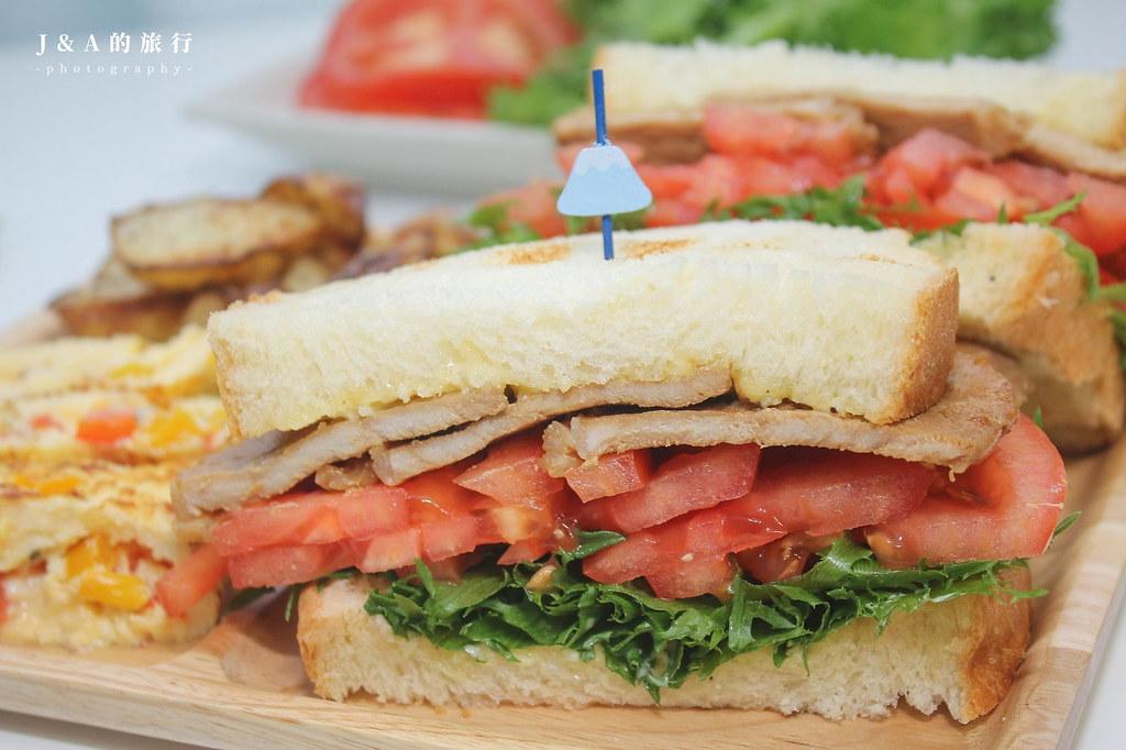 【食譜】蒜香美乃滋。可以當沾醬、三明治抹醬的濃郁醬料 @J&A的旅行