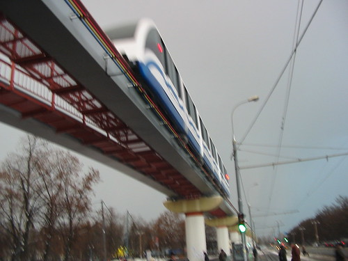 Moscow monorail  20031206 212