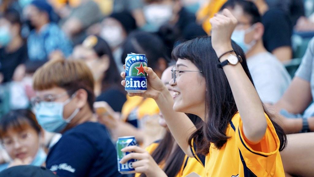 【圖說2】有海尼根0.0零酒精邊看球賽邊暢飲,不用擔心喝茫痛失精彩畫面