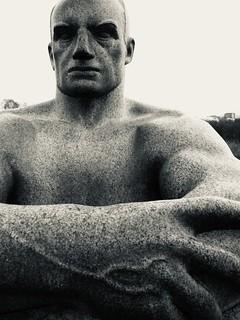 oslo vigelands park statue man 2007