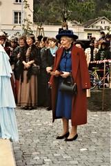 Meiringen - Dame Jean Conan Doyle approaches the lectern (photo by Jean Upton)