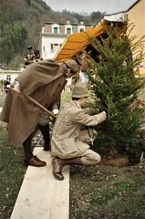 Meiringen - Philip Porter & Tim Owen planting the commemorative tree (photo by Jean Upton)