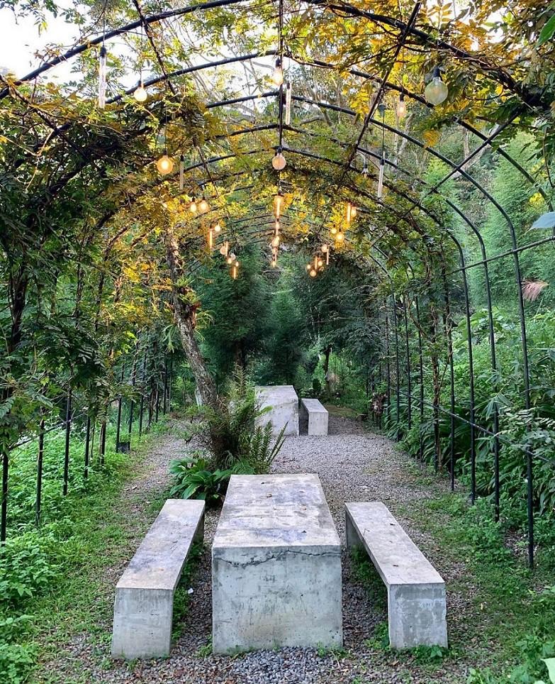 (圖1)前往四面環山蘊含豐富天然芬多精的活動場地「雷沙達岜斯露營區」參加《2021 Phgup山巫祭》 (1)