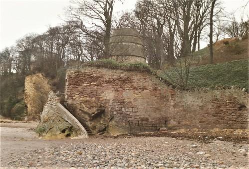 Ravenscraig doocot, Kirkcaldy, Fife c.1990.