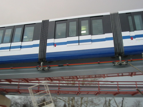 Moscow monorail  20031206 203