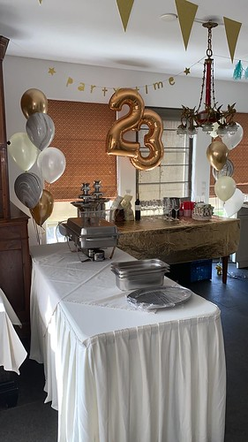 Tafeldecoratie 6ballonnen Gronddecoratie Marmer en Folieballon Cijfer 23 Verjaardag