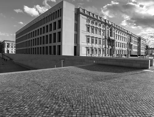 Berlin, März 2021: Sehenswürdigeiten knipsen. Humboldtforum
