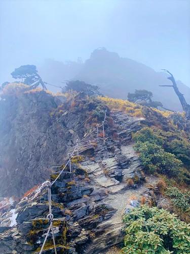阿丹南湖登山1