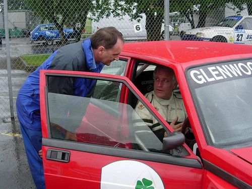 Nicl Humphrey and Julian Birley discuss the 75's problems at Oulton 2007