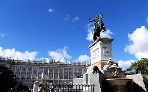 Madrid - Palacio Real, Monumento a Felipe lV.