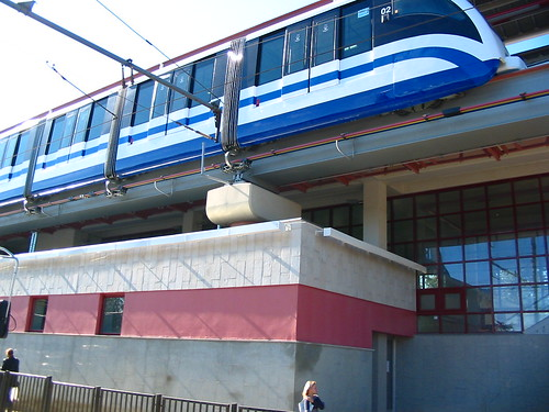 Moscow monorail  20040904 016