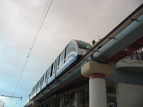 Moscow monorail  20031206 209
