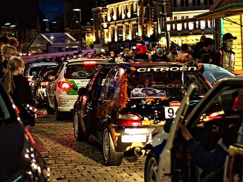 33 - Le rallye dans la ville