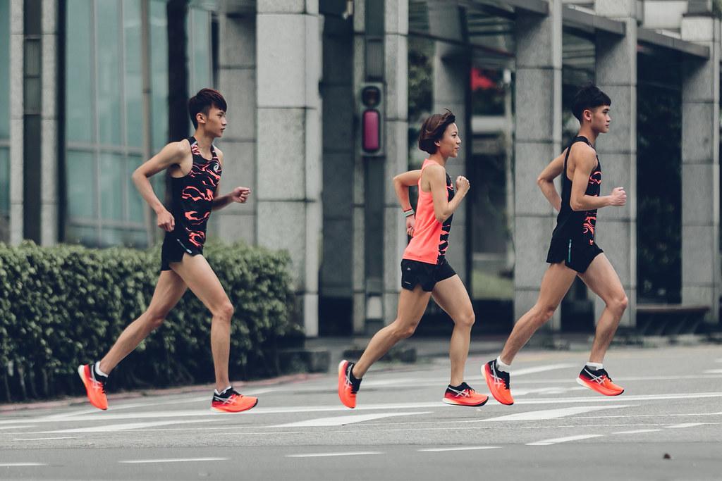 專業運動品牌ASICS今日全球同步發表最新競速跑鞋METASPEED,期許跑者釋放潛能達到巔峰表現