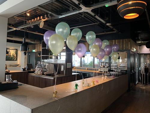 Tafeldecoratie 3ballonnen Pasen Watertuin Spikkenisse