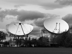 Photo of 2104_Non-identical twins at Jodrell Bank