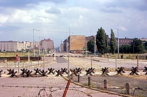 No Man S Land 024-1976 West Berlin, the Wall No Man's land image