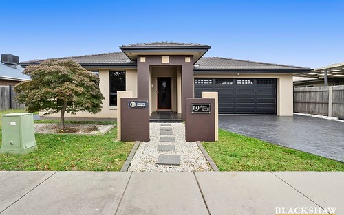 19 Judith Wright St, Franklin ACT 2913