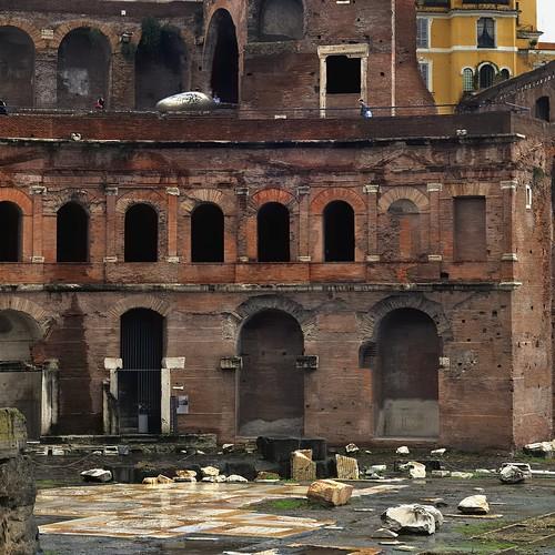 Shopping mall - Trajan's Market, Apollodorus of Damascus, 113 CE, Trajan's Forum, Rome.