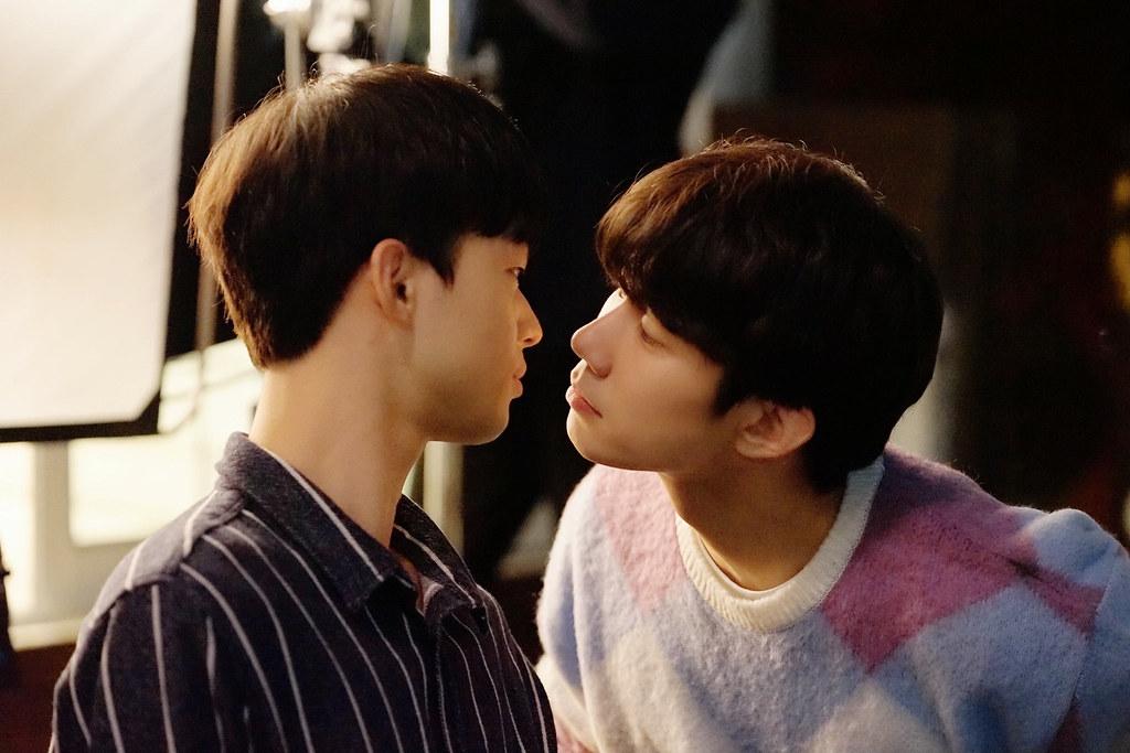 001【致我的星星】劇照_孫宇賢(右)與金江珉(左)在片中大談甜蜜愛戀