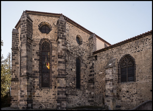 Mozac: a masterpiece of Romanesque sculpture