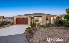 10 Rose Garden Avenue, Officer VIC