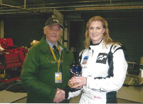 Christina Holley receives 2009 Best Newcomer award from Michael Lindsay