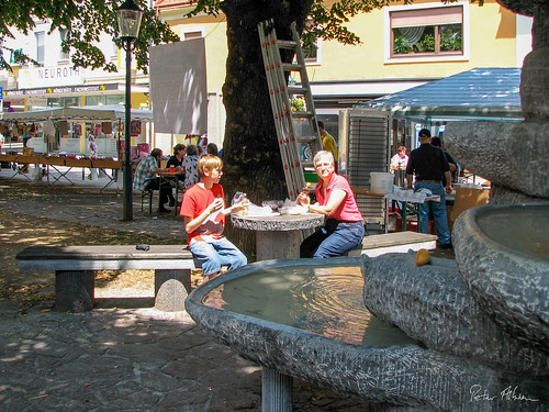 Lunch by the fountain