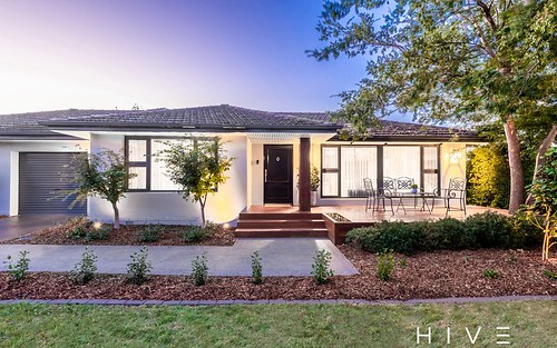 2 Kennerley St, Curtin ACT 2605
