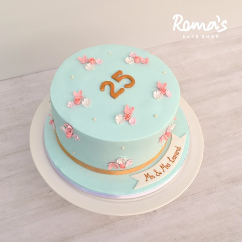 Elegant floral cake