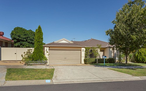 16 Willowbank Wy, Attwood VIC 3049