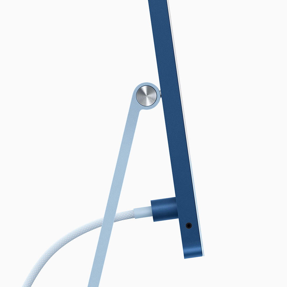 apple_new-imac-spring21_ps-blue-cord-connection_04202021