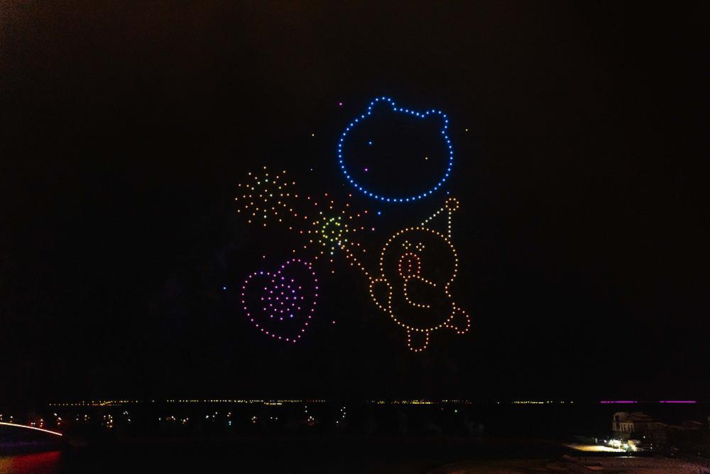 【圖8】LINE透過400台無人機科技燈光秀展演,LINE-FRIENDS熊大、兔兔、莎莉躍上星空與民眾見面_3