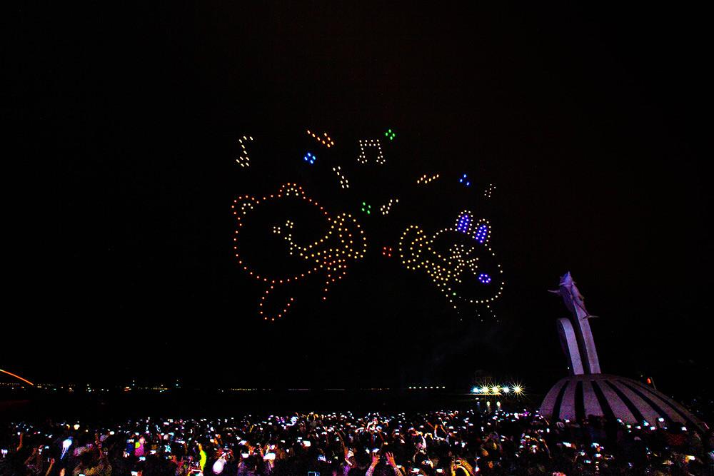 【圖8】LINE透過400台無人機科技燈光秀展演,LINE-FRIENDS熊大、兔兔、莎莉躍上星空與民眾見面_2