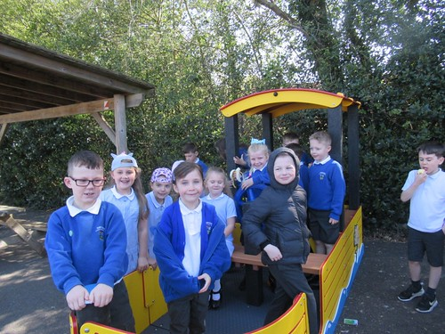 Orange Class enjoying new Adventures in the playground