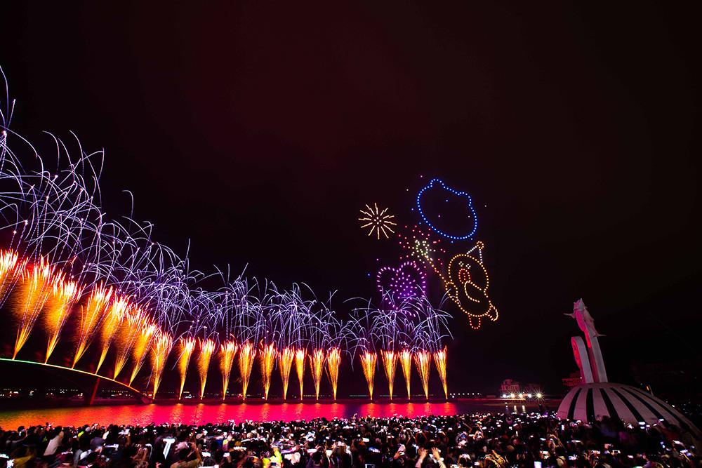 【圖8】LINE透過400台無人機科技燈光秀展演,LINE-FRIENDS熊大、兔兔、莎莉躍上星空與民眾見面_6