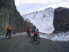 Cycling on world's most dangerous road