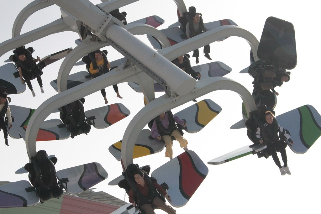 可以公轉也能自轉的天空飛行家,是非常適合紓壓的遊樂設施喔