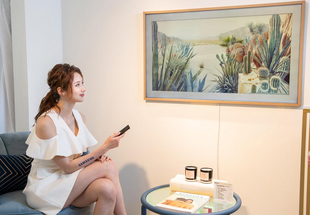 【新聞照片5】The Frame美學電視再添藝術氣息,獨家藝術模式擴增為1400件以上藝術作品,居家彷彿置身畫廊