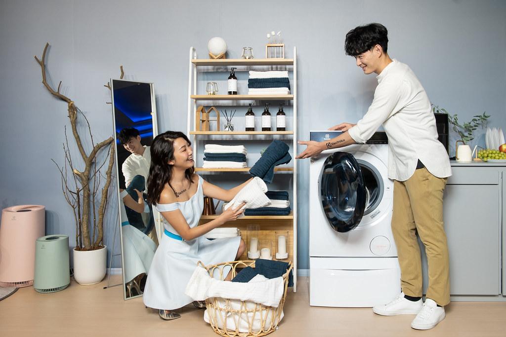 【新聞照片2】伊萊克斯推極淨呵護系列「享淨享退」90天體驗方案,讓消費者可完整體驗產品。