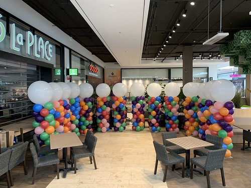 Ballonpilaar Breed Rond Opening Winkels na Lockdown Winkelcentrum de Koperwiek Capelle aan den IJssel