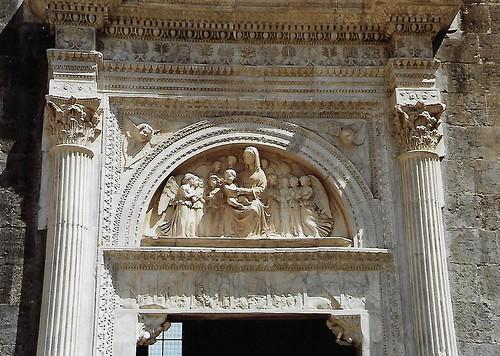 Napoli, Via Vittorio Emanuele II., Castello Nuovo, Cappella di Santa Barbara, Portal