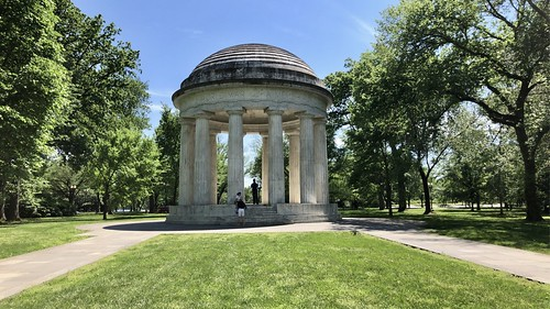 District of Columbia War Memorial - Washington D.C- May 2021 - #dc #washingtonDC #DistrictofColumbia #walkwithlocals #creativeDC #DowntownDC #districtofcolumbiamemorial