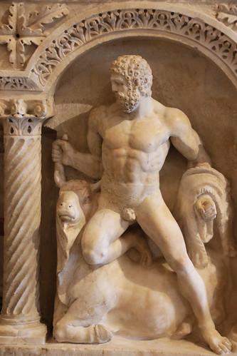 Lastra di Sarcofago a colonne con imprese di Eracle (160 d.C. circa) - Sala II Galleria Borghese Roma
