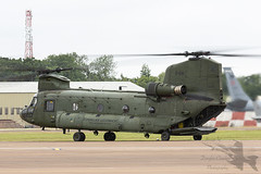 Photo of Boeing CH-47D Chinook D-661