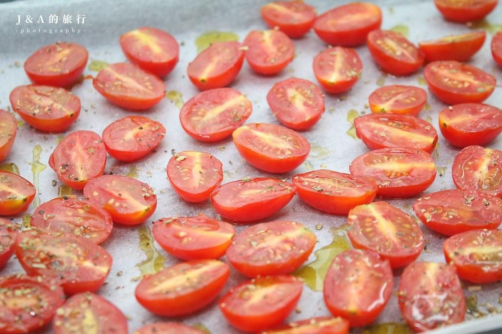 【食譜】油封番茄。為義大利麵、麵包增添風味的油漬番茄 @J&A的旅行