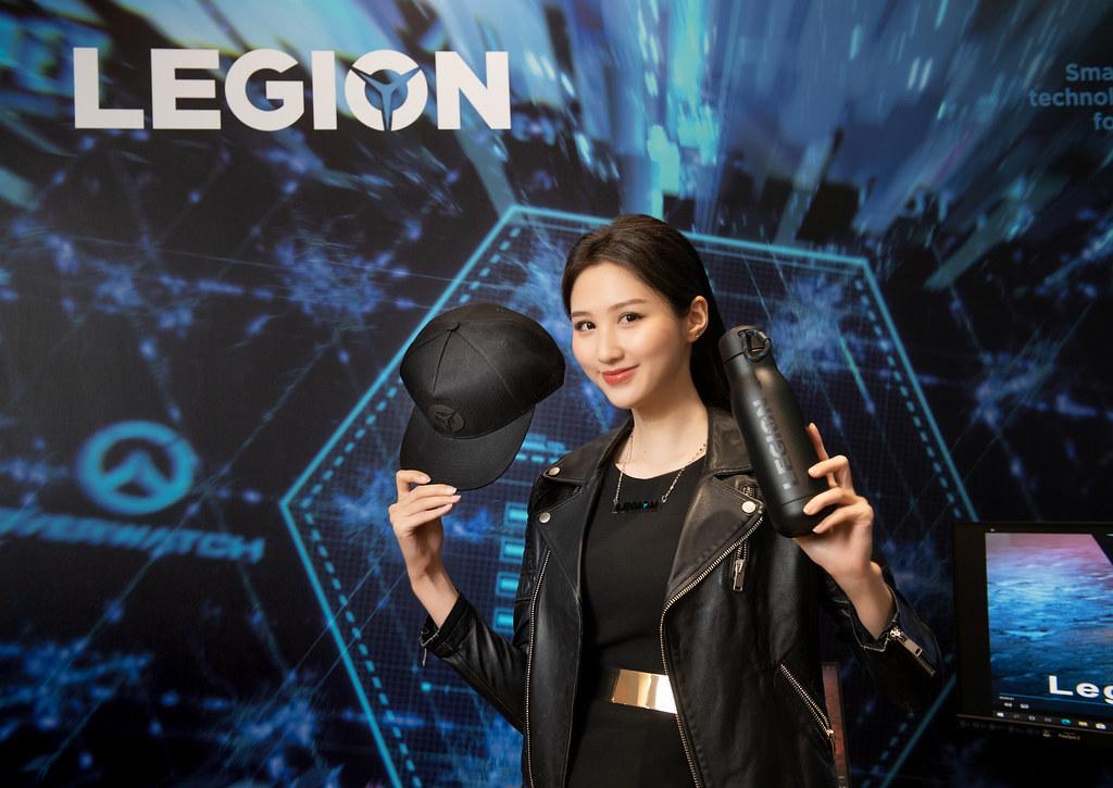 【新聞照片5】即日起玩家可於Lenovo官網打造專屬Legion筆電, 531前下單並於活動頁面登錄,前30名完成任務的消費者即可獲得Legion水瓶+帽子一組。